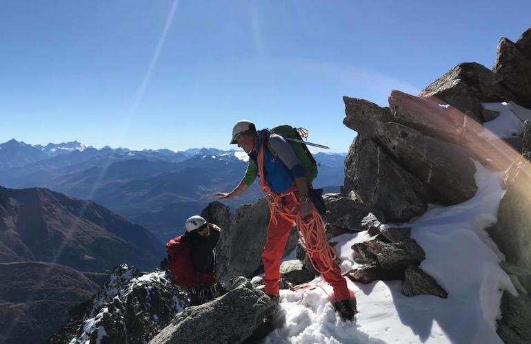 Journee-alpinisme-sur-les-aiguilles-crochues-chamonix