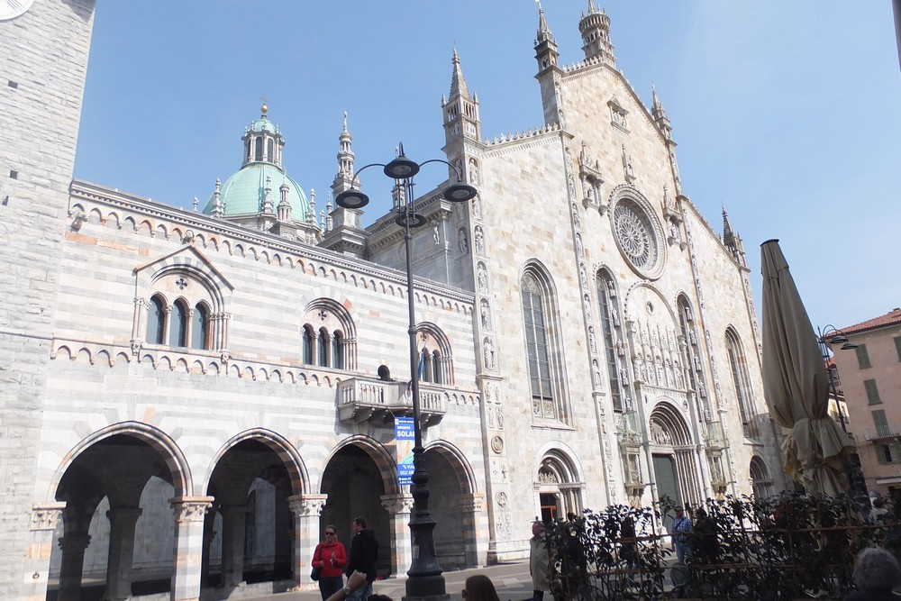 cathedrale-ville-come-guide-francophone