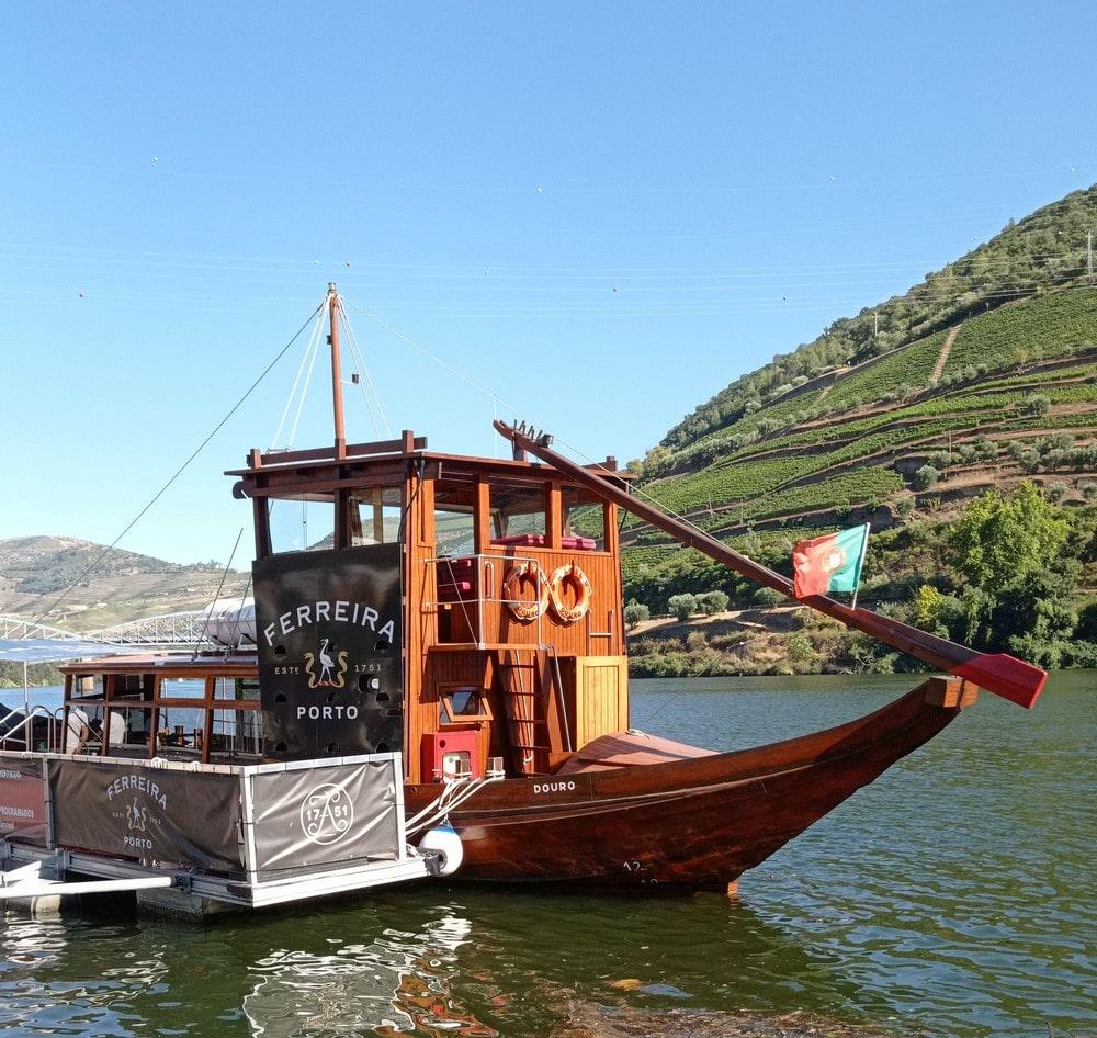 balade-domaines-viticoles-en-bateau-vallee-douro