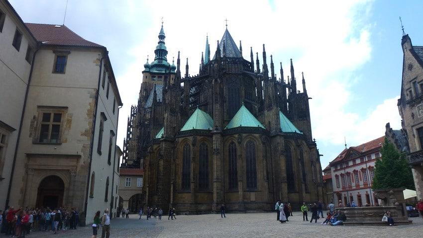 cathedrale-Saint-Guy-prague-guide-francophone