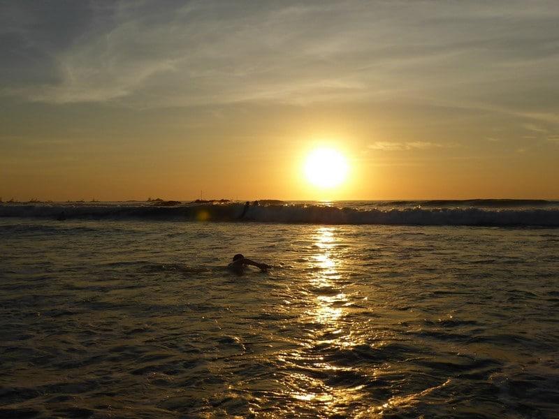 plage-coucher-soleil-tamarindo