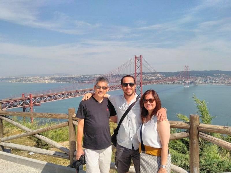 Tuk-Tuk-Le-pont-le-Cristo-Rei-Cacilhas-lisbonne