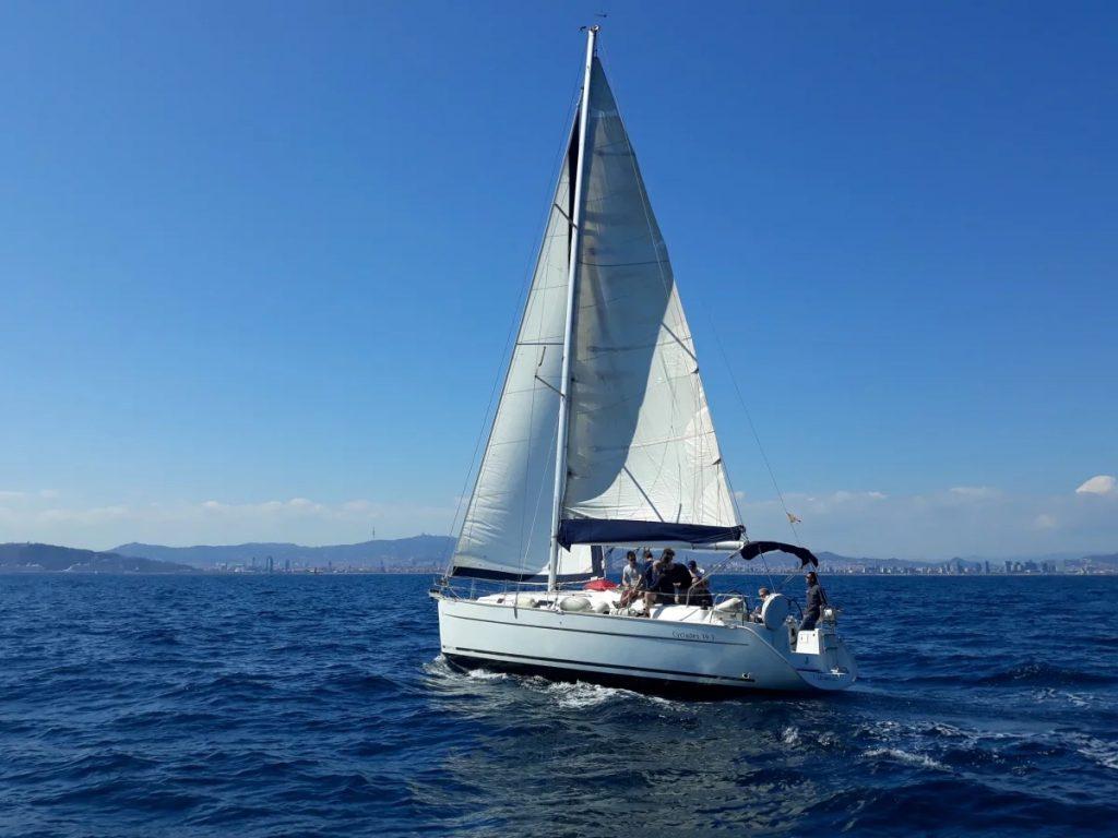 activite-bateau-barcelone-voilier-mer