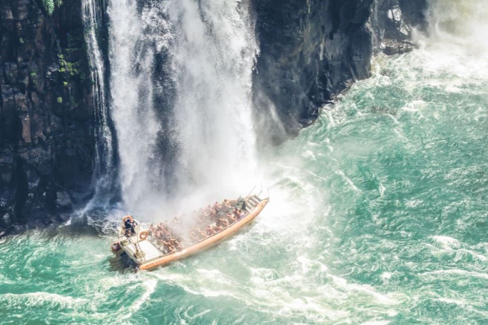 activite-bateau-chutes-iguazu
