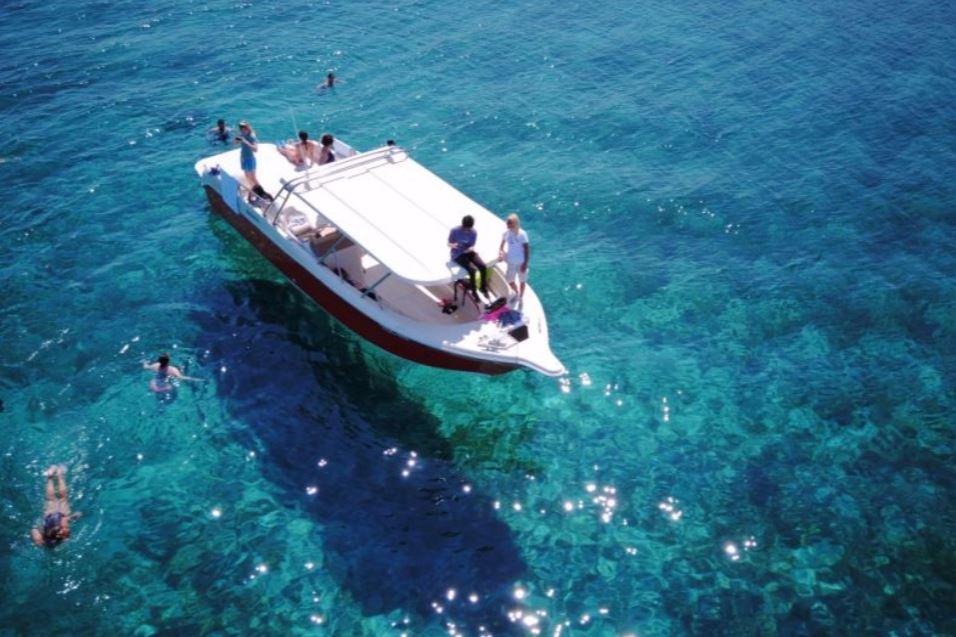 croisiere-bateau-depuis-hvar-grotte-bleue