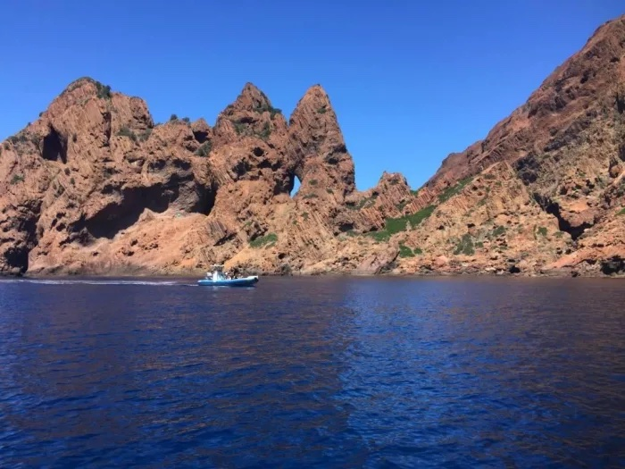 excursion-bateau-calvi-reserve-scandola