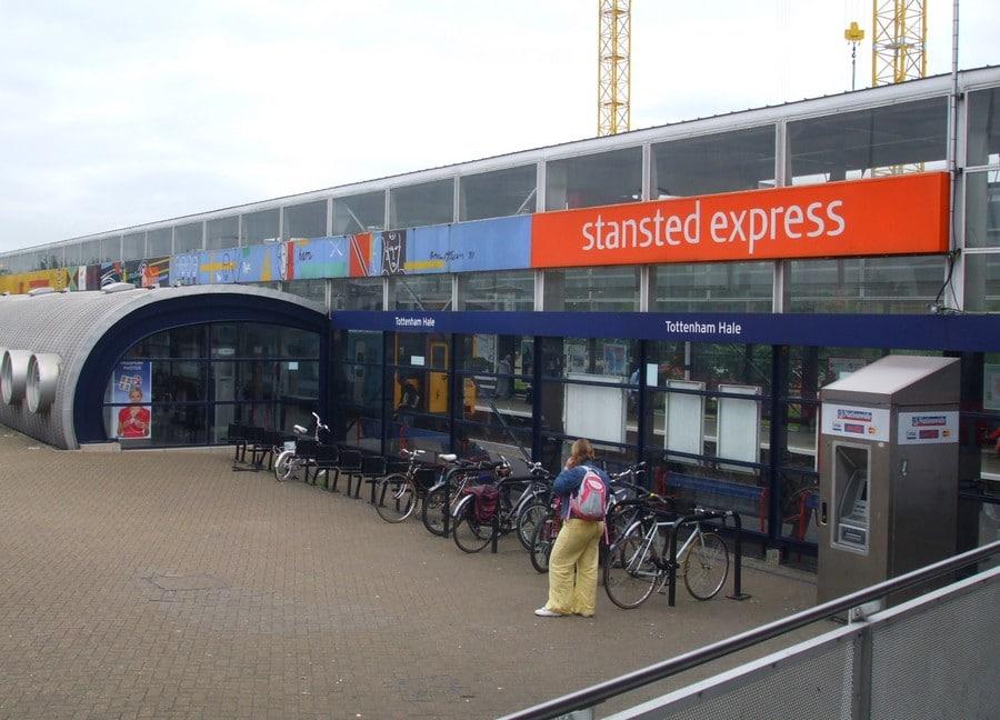 rejoindre-londres-depuis-stansted-aeroport-en-train