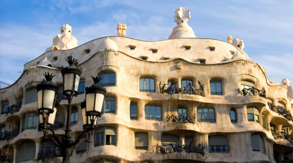 visite-casa-mila-activite-barcelone