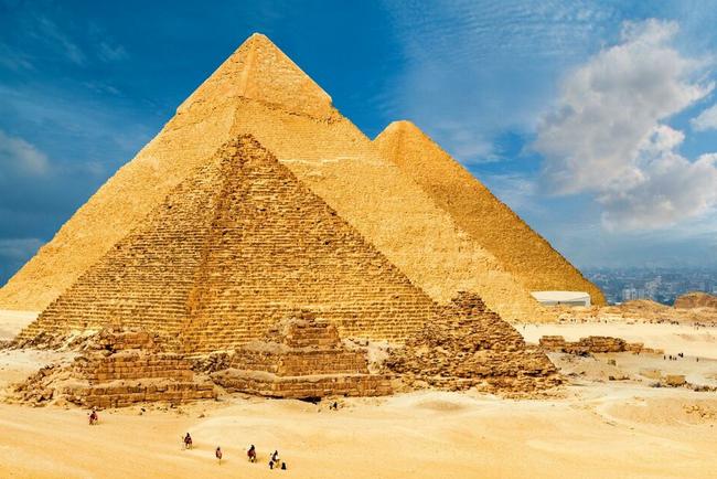 visite-guidee-en-francais-pyramides-egypte