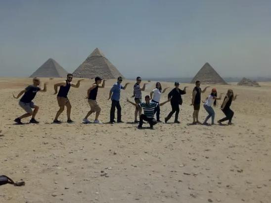visite-guidee-en-francais-pyramides- gizeh-depuis-le-caire