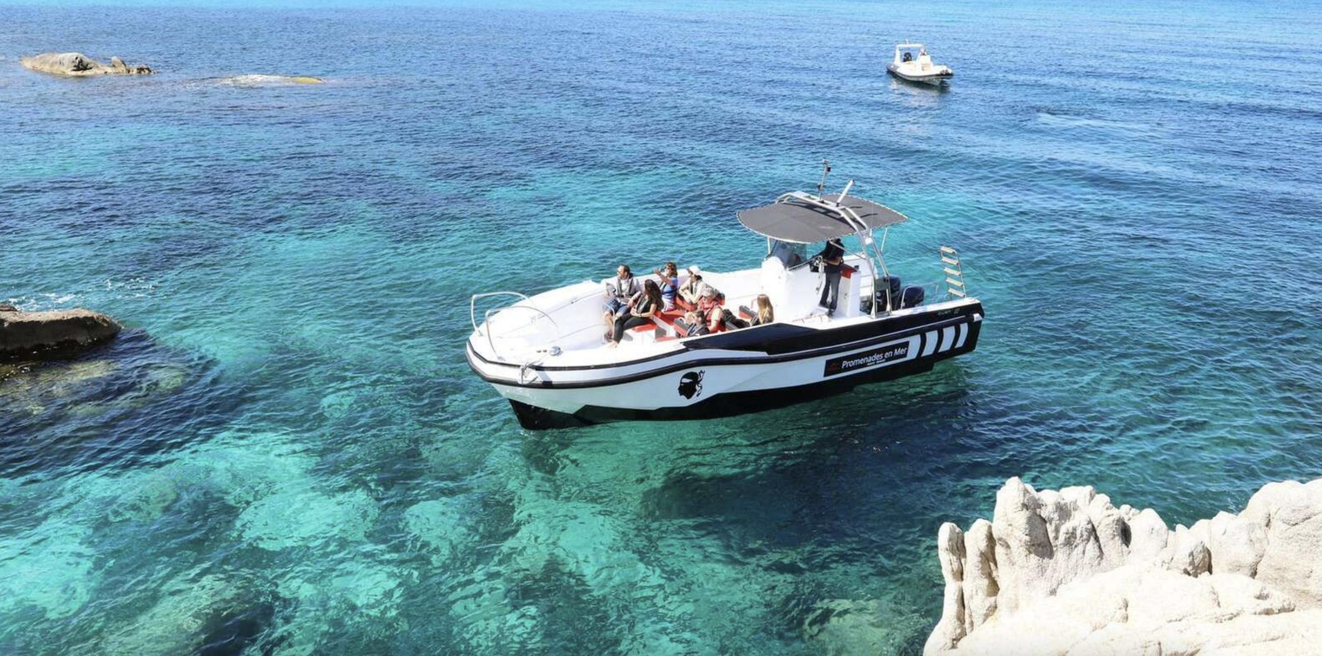 croisiere-de-4-heures-visiter-reserve-scandola-bateau
